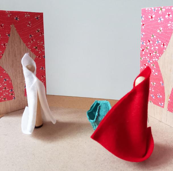 Le mini théâtre magnétique du petit chaperon rouge-En scène  !