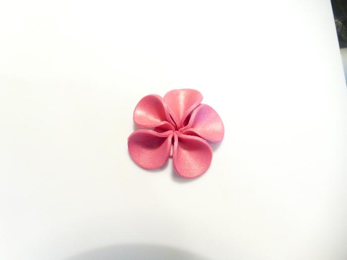 Barrette Feur d'Hibiscus-Modelage de la fleur