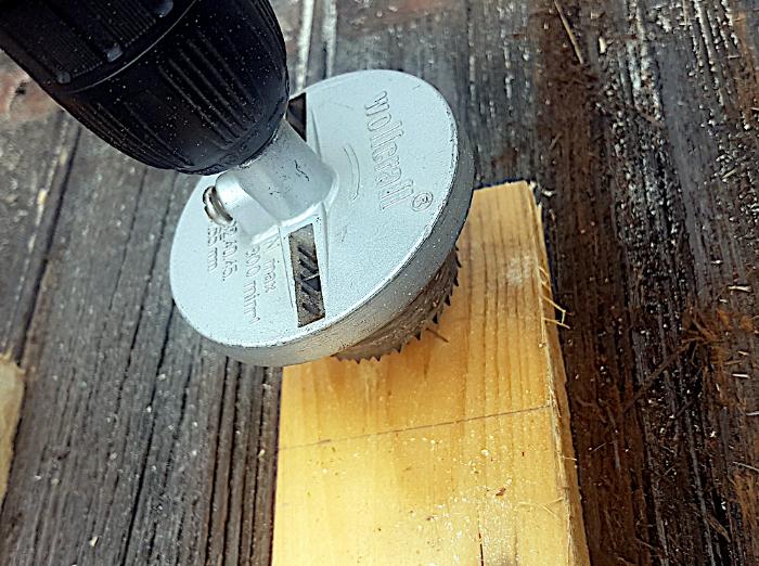 Bougeoir en bois - Trés facile-Tu perces le dernier morceau avant de le découper