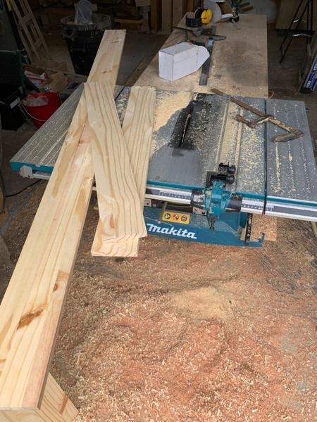 Créer un IPN trompe l'oeil en bois-Couper les planches de bois