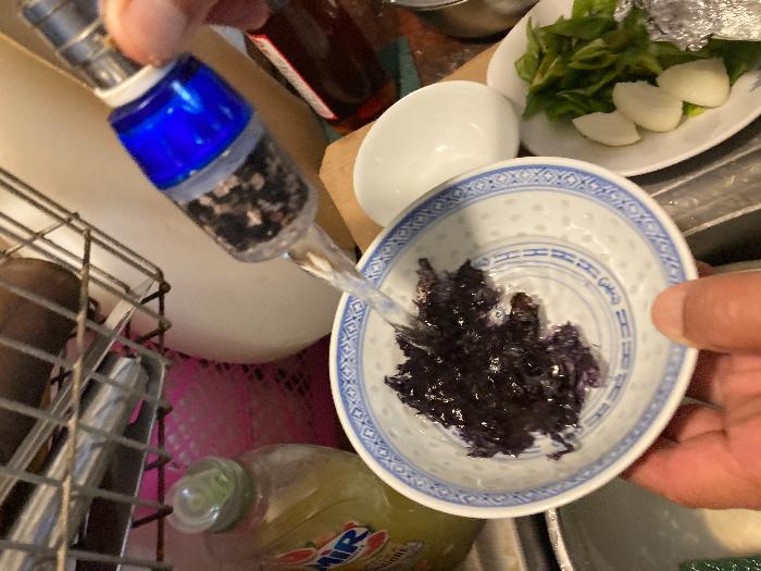 recette chinoise familiale : soupe/bouillon rapide aux algues et boulettes de poissons-Etapes : les algues
