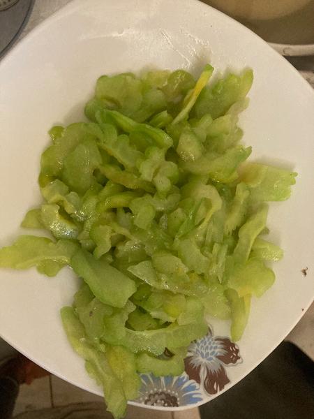 Recette chinoise familiale : boeuf sauté au concombre amer  -Woker le concombre