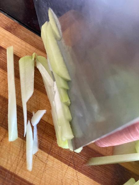 Cuisine asiatique : comment préparer la christophine-Version 1 : préparation en frite