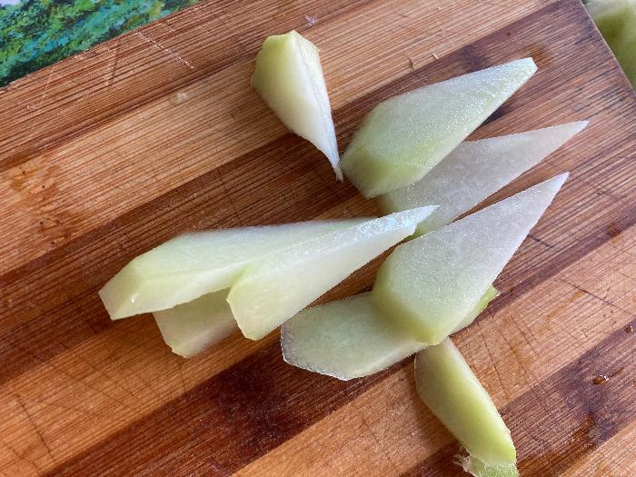 Cuisine asiatique : comment préparer la christophine-Version 2 : préparation en tranche