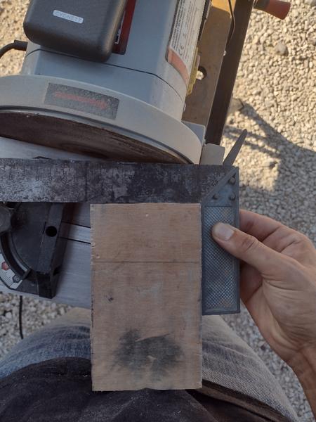 Vase design en bois et acier inoxydable-Rectification du bloc