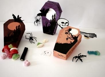 Pour Halloween on fait des boîtes en forme de cercueils !