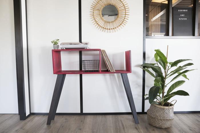 un joli meuble pour mon tourne disque oui are makers. Black Bedroom Furniture Sets. Home Design Ideas