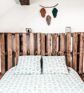 Tête de lit en palettes