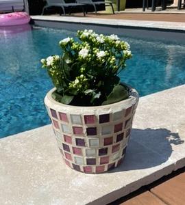 Pot de fleurs en mosaïque