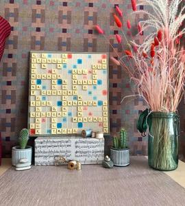 Comment recycler un Scrabble en déco murale