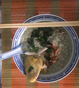 Recette cambodgienne familiale : Riz bouilli à la citronnelle accompagné de poulet